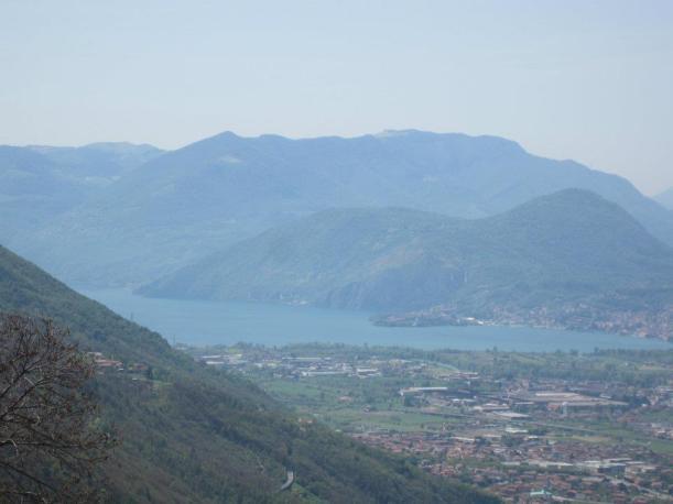 Artogne - Fraz. Piazze - Panoramica della Valcamonica con il Lago d'Iseo